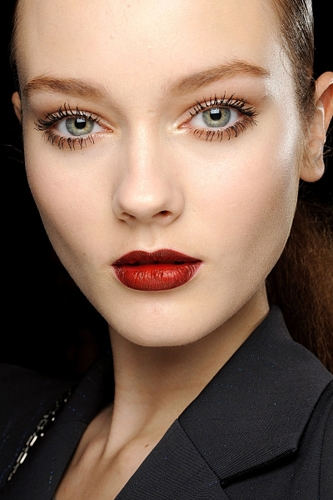 -makeup-trend-wine-lips