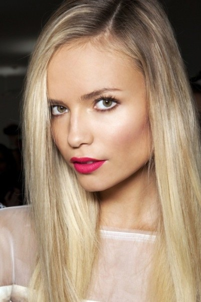 hot-pink-lipstick-lip-trend-pop-of-color