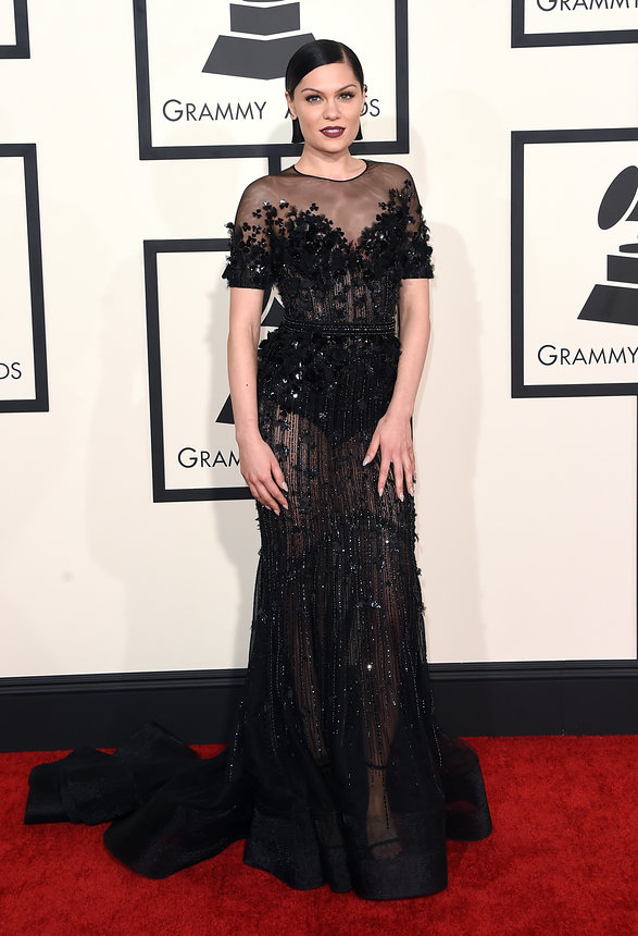 jessie-j-grammy-2015-red-carpet