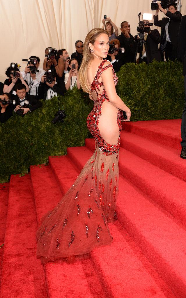 Jennifer-Lopez-Met-Gala-2015-Pictures