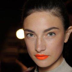 lips111